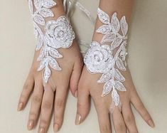 EXPRESS SHIPPING White lace gloves wedding bridal gloves lace | Etsy Bride Gloves, Wedding Gloves, Lace Wedding Dress With Sleeves, Wedding Dresses With Flowers, Black Lace Gloves, Shoulder Jewelry, Pink Champagne, Crystal Wedding, Lace Weddings
