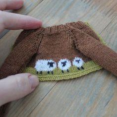 Irresistible Crochet a Doll Ideas. Radiant Crochet a Doll Ideas. Knitted Bunnies, Knitted Animals, Knitted Dolls, Crochet Dolls, Knitted Hats, Knit Crochet, Crochet Doll Clothes, Doll Clothes Patterns, Doll Patterns