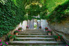 Villa Cimbrone, Italy (by juliaclairejackson)