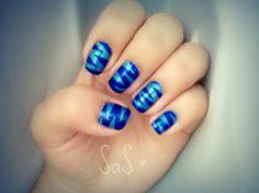 zig zag nails :D