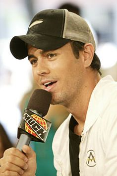 Enrique Iglesias Close To Signing American Idol Deal