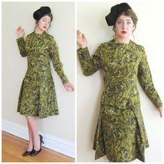 Vintage 1960s Green Cocktail Dress in a Taffeta Print / 60s Long Sleeved Dress In Swirl Print / Largess with Scarf / Medium by BasyaBerkman on Etsy