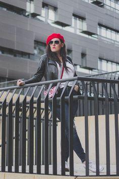 Übergangsjacken - unverzichtbare Must-Have Jacken für den Herbst // Lederjacke, Herbstoutfit, Modeblog, www.miss-classy.com #lederjacke #mode #fashionblogger #modetrends Jeans Und Converse, Jeans Und Sneakers, Elegantes Business Outfit, Denim Look, German Fashion, Real Style, Fashion Outfits, Fashion Trends, Fashion Bloggers