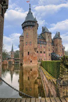 Castle De Haar near Haarzuilens ~ Utrecht, Netherlands
