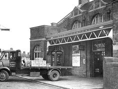 Disused Stations: Rugby Central Station 1952
