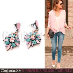 Nuestros Jackie en rosa y azul son unos elegantes #pendientes de cristales en suaves tonos pastel que convertirán un look normalito en un #outfit de fiesta sin el más mínimo esfuerzo ★ Precio: 12,95 € en http://www.conjuntados.com/es/pendientes-jackie-en-rosa-y-azul.html ★ #novedades #earrings #conjuntados #conjuntada #joyitas #jewelry #bisutería #bijoux #accesorios #complementos #moda #fashion #fashionadicct #picoftheday #estilo #style #GustosParaTodas #ParaTodosLosGustos