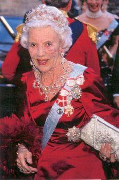 DINASTÍAS | Los Foros de la Realeza • Ver Tema - Las joyas de Ingrid y sus hijas.