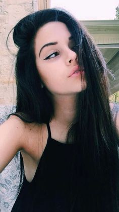 I'm maddie I'm 18 and single I'm a rebel a bit *smirks*mias my bestie mikeys daddy af laughs* we aren't a couple