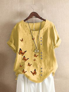 Plus Size Casual, Butterfly Print, Plus Size Blouses, Casual T Shirts, Chic Outfits, Beautiful Dresses, Tunic Tops, Clothes For Women, Embroidery