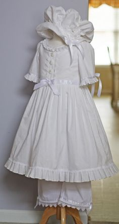 This would look cute with a matching dress for an American Girl Felicity doll