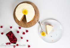 Lemon cake with raspbery filling  Zitronenkuchen mit Himmbeerfüllung