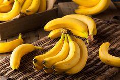 Bananas Food Fruit - Free photo on Pixabay Baby Food Recipes, Healthy Recipes, Banana Benefits, Eating Bananas, Food Tags, Homemade Baby Foods, Healthy Shakes, Exotic Food, Banana Recipes