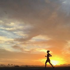 Is there a better way to start the day? @shannondempsey showing us how it's done. #movewithpurpose #charitymiles #everymilematters