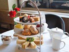 London-wide Restaurants - Afternoon Tea Deals: Amazon Local