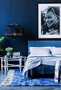 Aiding concentration and bringing laser like clarity, PANTONE Classic Blue re-centers our thoughts. The best design pieces classic blue are now available. Pantone Blue, Pantone 2020, Pantone Color, Blue Bedroom Decor, Blue Home Decor, Bedroom Ideas, Blue Rooms, Blue Walls, Blue Subway Tile