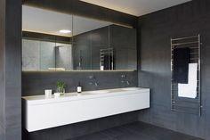Built-in cabinet sink
