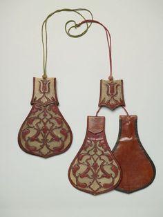 Paar Doppeltaschen aus der Kunstkammer des Paulus Praun (1548-1616) (Zwei Paar Geldtaschen ( ?))  Inventarnummer: T560 Datierung: 17. Jahrhu...