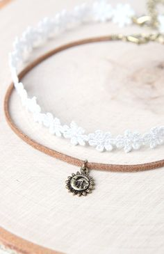 Lace Sun Choker Set