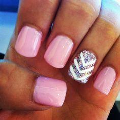 pretty sparklyy pink nails