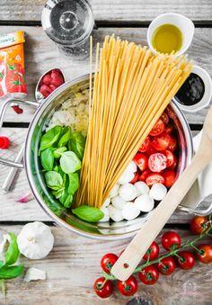 One Pot Pasta Das Küchengeflüster Ruth&RecettesSaines Easy Casserole Recipes, Pasta Recipes, Paleo Dinner, Dinner Recipes, Pasta Das, Easy One Pot Meals, Recipe Mix, How To Eat Paleo, How To Cook Pasta