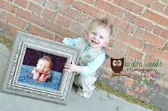 CUTEST 1 yr picture!! Now I HAVE to get newborn photos done!! How cute would this be if you did it EVERY year with the year before's picture...by the time they got older, it would document EVERY year from birth :)