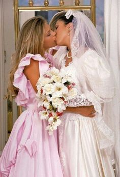 aromas lesbian personals Aroma's best 100% free lesbian dating site connect with other single lesbians in aroma with mingle2's free aroma lesbian personal ads place your own free ad and view hundreds of other online personals to meet available lesbians in aroma looking for friends, lovers, and girlfriends.