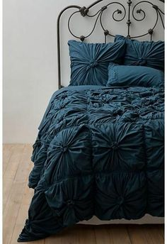 NWT Anthropologie Rosette Quilt King Size Lazybones Petrol Free Shipping