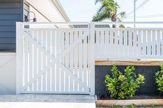 Front Fence with Viburnum Hedging. Front Fence with Viburnum Hedging. Front Yard Decor, Front Yard Fence, Front Gates, Yard Privacy, Privacy Fence Designs, Privacy Fences, Backyard Fences, Backyard Landscaping, Hedges Landscaping