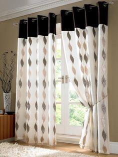 Appeealing Black and White Modern Living Room Curtain