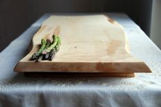Epicurean Footed Cutting Board