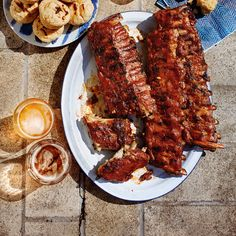 This recipe for ribs on the grill is perfect for summer! Ribs Au Barbecue, Bbq Pork Ribs, Ribs On Grill, Rub Recipes, Fun Easy Recipes, Recipies, New Pressure Cooker, Pork Skewers, Pork Salad