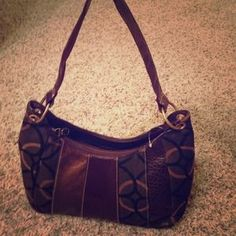 I just discovered this while shopping on Poshmark: NWT brown purse. Check it out!  Size: OS