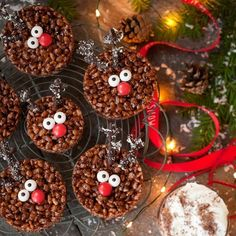Rudolph Rice Krispie Treats - December 20 2018 at - and Inspiration - Yummy Sweet Meals And Chocolates - Bakery Recipes Ideas - And Kitchen Motivation - Delicious Sweets - Comfort Foods - Fans Of Food Addiction - Decadent Lifestyle Choices Rice Krispy Treats Recipe, Rice Krispie Treats, Rice Krispies, Classic Rice, Melting Chocolate, White Chocolate, Bakery Recipes, Yummy Cakes, Gingerbread Cookies