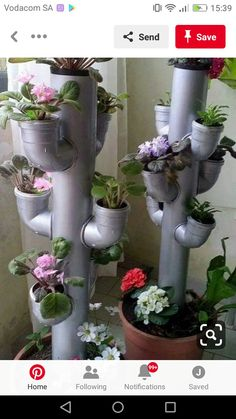 Hydroponics is a form of gardening that uses no soil, but instead grows plants in a solution of nutrients mixed with water. There are many advantages to hydroponic gardening. The first step to setting up your first hydroponic garden is . Garden Crafts For Kids, Garden Projects, Garden Kids, Easy Garden, House Projects, Kids Crafts, Diy Hydroponik, Easy Diy, Garden Art