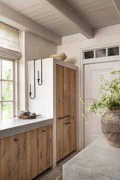 Industrial Kitchen Design, Boho Kitchen, Kitchen Interior, Home Interior, Modern Farmhouse Kitchens, Home Kitchens, Küchen Design, Interior Design, Casa Retro
