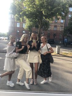 """Uploaded by Livhelder"" Best Friend Pictures, Friend Photos, Mode Outfits, Fashion Outfits, Fashion Shoes, Hot Girls, Over Boots, Youre My Person, Mein Style"