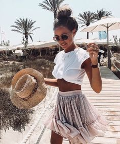 36 Cute Outfit Ideas for Summer – Summer Outfit Inspiration - Style O Check - Beach Mode Spring Summer Fashion, Spring Outfits, Outfit Summer, Outfit Beach, Summer Concert Outfits, Summer Beach Outfits, Beach Holiday Outfits, Cute Beach Outfits, Winter Outfits