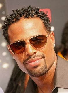 Shawn Wayans - how the hell are you so damn pretty, damn...and funny as hell too!!