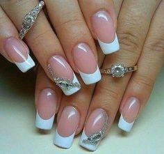 Unghiile french – manichiura care nu se demodează niciodată! Love Nails, Fun Nails, Cruise Nails, Manicure And Pedicure, Pedicures, Cool Nail Art, Nail Art Designs, Simple, Makeup