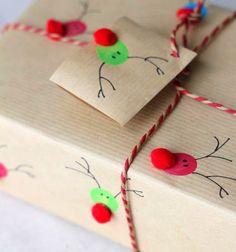 Reindeer thumbprint Christmas wrapping paper or cards // Ajándék csomagolás és képeslapok rénszarvasos ujjlenyomatokkal // Mindy - craft tutorial collection // #crafts #DIY #craftTutorial #tutorial #ChristmasCrafts #Christmas