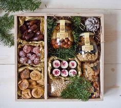 """78 Likes, 5 Comments - ✨ЦВЕТЫ И ПОДАРКИ✨МОСКВА (@dusha_shops) on Instagram: """"Всем вкусных витаминов! Не болейте! А такой подарочный деревянный бокс придётся кстати к любому…"""""""