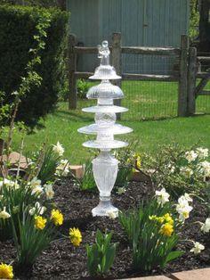Best Glass Totems Garden Art Ideas For Beautiful Garden (5100 Pictures) 1037