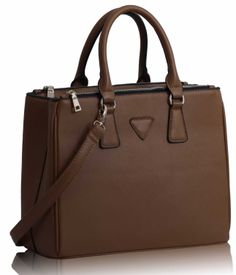 Model tip Prada. Spring 2014, Prada, Model, Bags, Fashion, Purses, Handbags, Moda