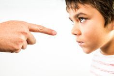 Ребенок не слушается, капризничает или уходит в себя… А что делаем в это время мы, родители? Часто мы не замечаем связи между нашим поведением и поведением ребенка. Но она существует. И ее можно использовать во благо. Как это сделать, на примере объя