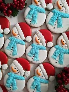 Snowman Santa hat red white and blue cookies - Creative Cake Decorating Ideen Blue Cookies, Fancy Cookies, Iced Cookies, Cupcake Cookies, Cookie Frosting, Snowman Cookies, Christmas Sugar Cookies, Holiday Cookies, Noel Christmas