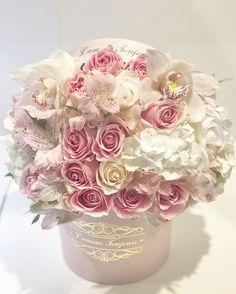 #white #roses #bouqet #luxury #luxurylifestyle #flowers #love #centerpiece #proposal #fashion #fashionista #OrangeCounty #FW17 #fw2017 #CoupleGoals #surprising #pink #blushpink