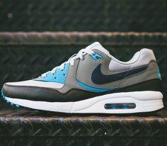 Nike Air Max Light Essential – Grey / Vivid Blue