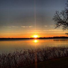 Hallows' Eve. #lakeminnetonka #minnesota #mn #exploremn #sunset #tonka #lake #minnetonka #halloween #nature #fall #mnlakelife #lakelife