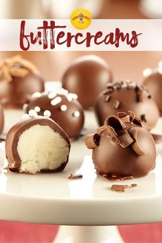 These buttercream candies are simple to make with po… Easy homemade candy recipe! These buttercream candies are simple to make with powdered sugar, butter and cream cheese. Fudge, Holiday Baking, Christmas Baking, Fall Baking, Christmas Cookies, Just Desserts, Delicious Desserts, Cookie Recipes, Dessert Recipes