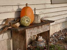 Simple way to display pumpkins.